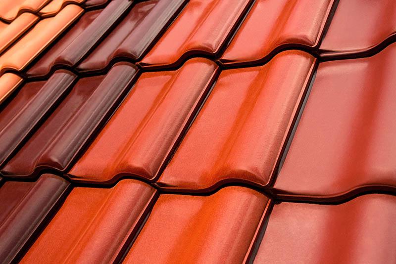 Verschiedene Farben bei der Dachbeschichtung zur Auswahl