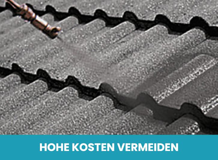 Nahaufnahme bei der Dachbeschichtung